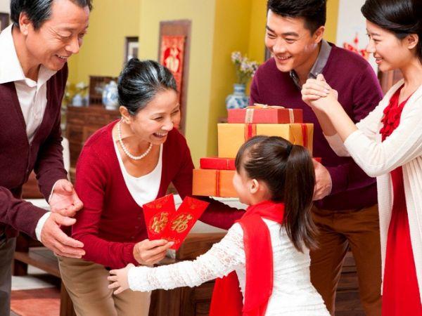 tặng quà tết cho gia đình